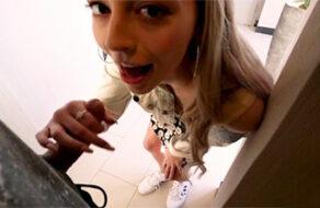 La sonriente Lily Larimar follada en su primer casting porno
