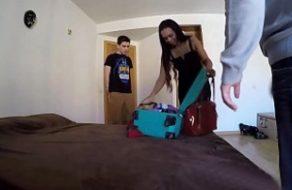 Modelo brasileña accede a follar con el Niño Polla