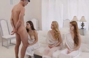 Líder de secta religiosa somete a tres putas con su polla