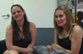 Maduras españolas follan con tres tíos y disfrutan como unas putas
