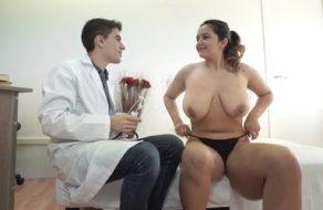 El Doctor Jordi Polla se folla a una paciente con grandes tetazas