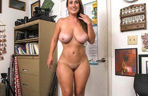 Tetona de enorme culo follada salvajemente en su primer casting porno
