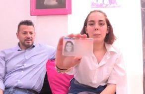 Colegiala española se mete en el porno muy joven para joder a sus padres