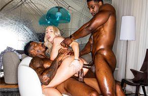 Esposa cumple su fantasía de follar con una doble penetración interracial