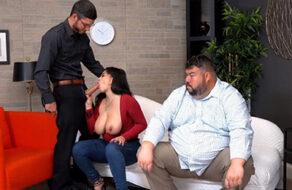Gabriela Lopez es tan puta que se folla al psicólogo delante de su esposo
